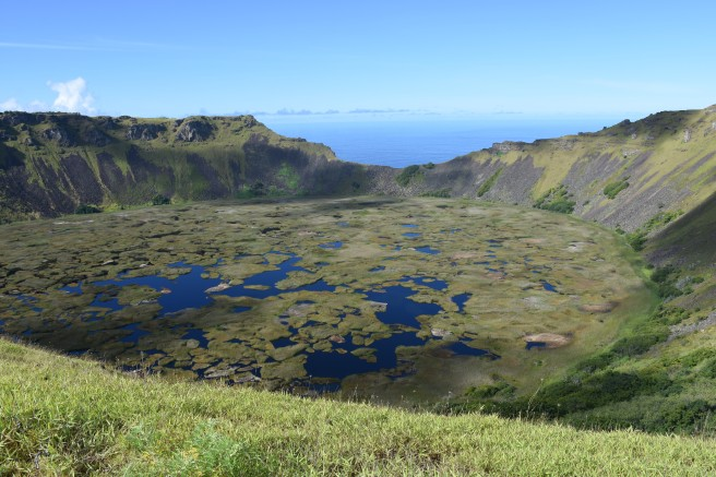 10 Orongo crater lake